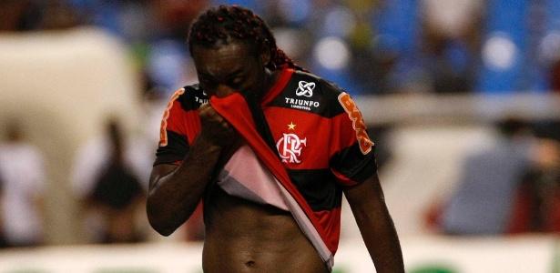Vagner Love não esconde a preocupação com momento delicado vivido pelo Flamengo