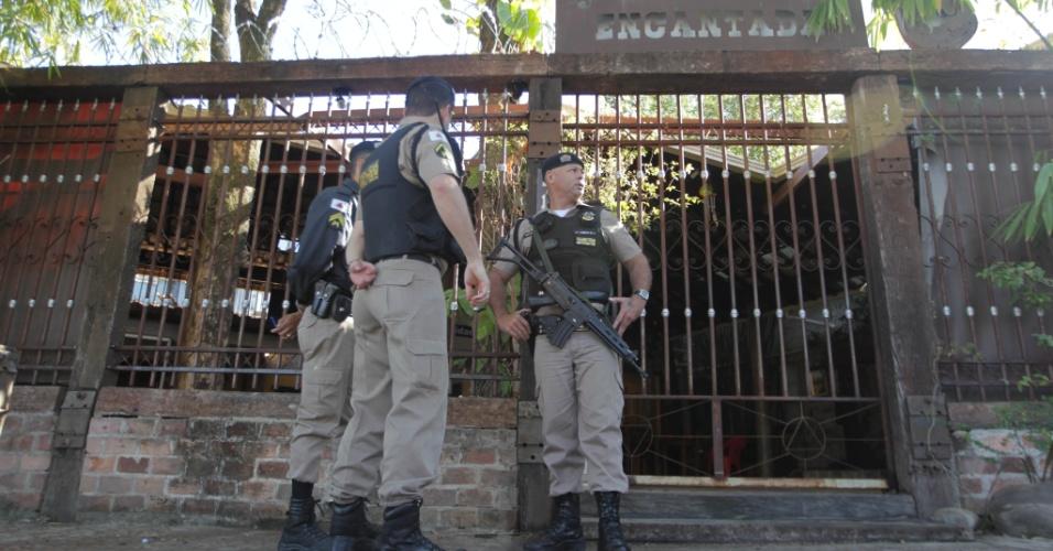 27.ago.2012 - Um tiroteio durante um show de pagode em um restaurante no bairro São Geraldo, zona leste de Belo Horizonte (MG), deixou seis mortos e feriu ao menos 14 pessoas no o fim da noite deste domingo (26)
