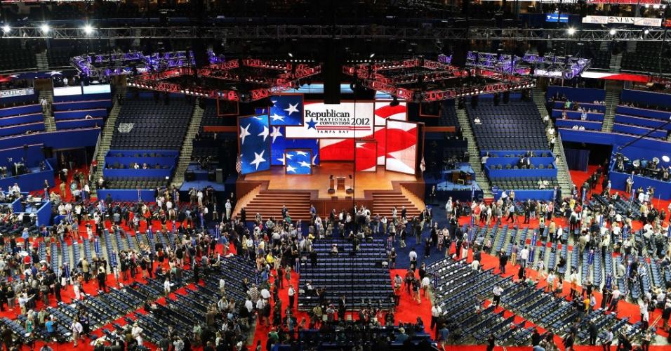 27.ago.2012 - Vista geral da Convenção Nacional do Partido Republicano, na qual o ex-governador Mitt Romney será nomeado candidato à Presidência dos Estados Unidos