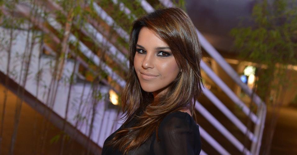 Looks inspiradores - morenas/bronzeadas - Mariana Rios