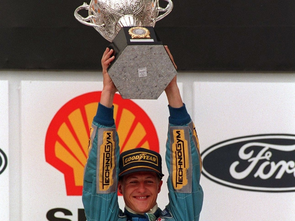 Michael Schumacher celebra vitria do GP do Brasil de 1994