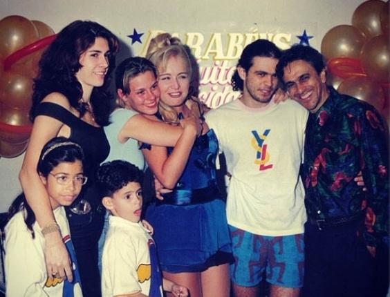 Paula Lavigne divulga imagem ao lado de Angélica e Caetano Veloso (27/8/2012)