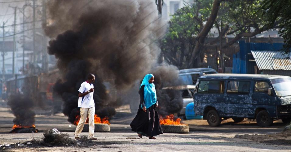 29.ago.2012 - Cidade queniana de Mombaça enfrenta nesta quarta-feira (29) o terceiro dia de confrontos entre cristãos e muçulmanos após morte de clérigo