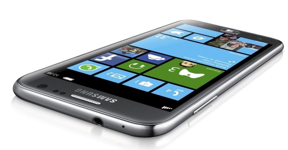29.ago.2012 - Em dia cheio de apresentações da Samsung, a fabricante sul-coreana apresentou o smartphone ATIV S, com sistema operacional Windows 8