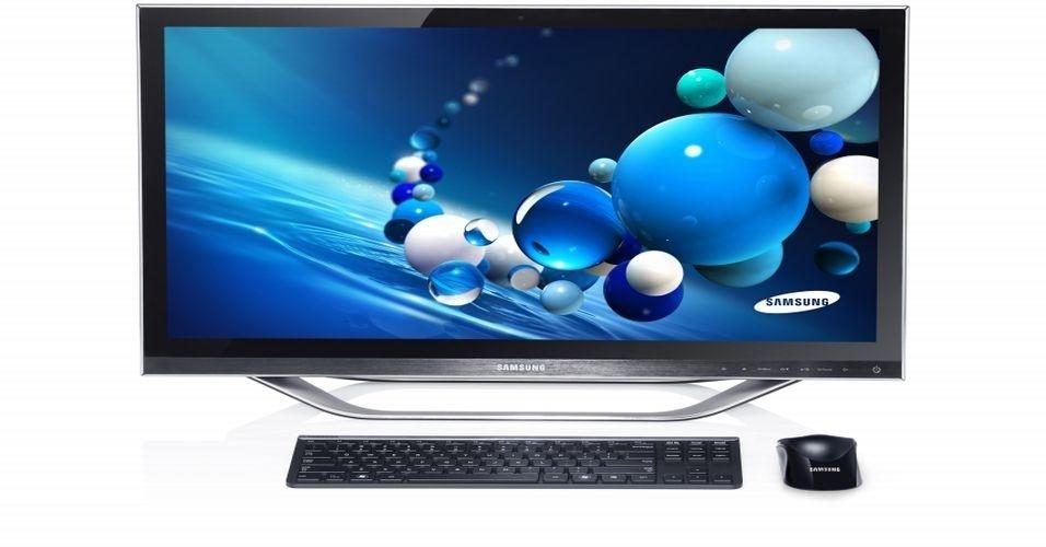 29.ago.2012 - Em dia cheio de apresentações da Samsung, a fabricante sul-coreana apresentou os computadores All-in-One series 5 e 7, com sistema operacional Windows 8. O aparelho conta com tela de 23 polegadas, processador Intel Core i5 e 6 GB de memória RAM
