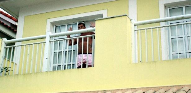Operação Catedral prende Alessandro Ferreira dos Santos em sua casa, na zona oeste do Rio