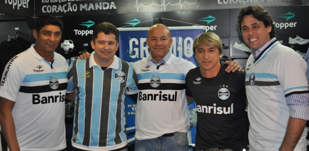 Ex-atletas do Gr&#234;mio em evento de comemora&#231;&#227;o de anivers&#225;rio do bi da Libertadores 