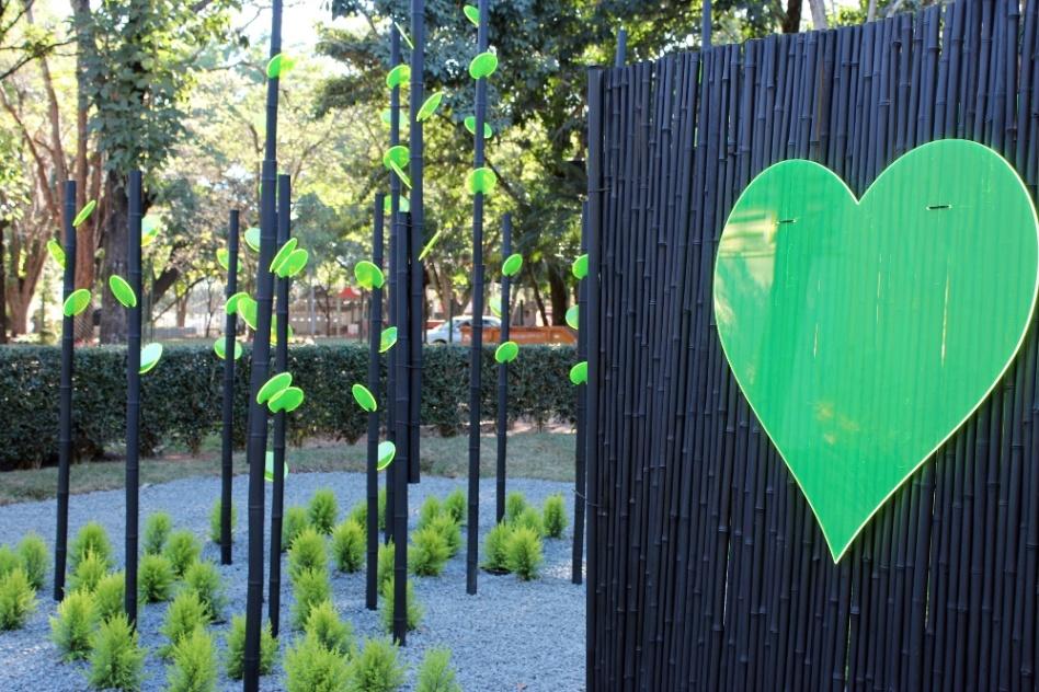 """""""Made by Heart"""", paisagismo assinado por Liana Glingani. A 31ª Expoflora fica aberta à vistação de 30 de agosto a 23 de setembro de 2012, de quinta-feira a domingo, sempre das das 9h às 19h. Mais informações: (19) 3802-1499 ou contato@expoflora.com.br"""