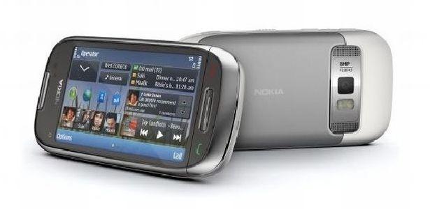 Nokia C7 agrada com alta resolução da câmera