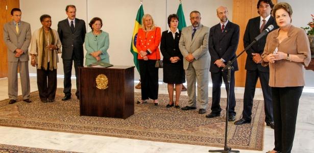 A presidente Dilma Rousseff discursa após assinar lei de cotas em universidades