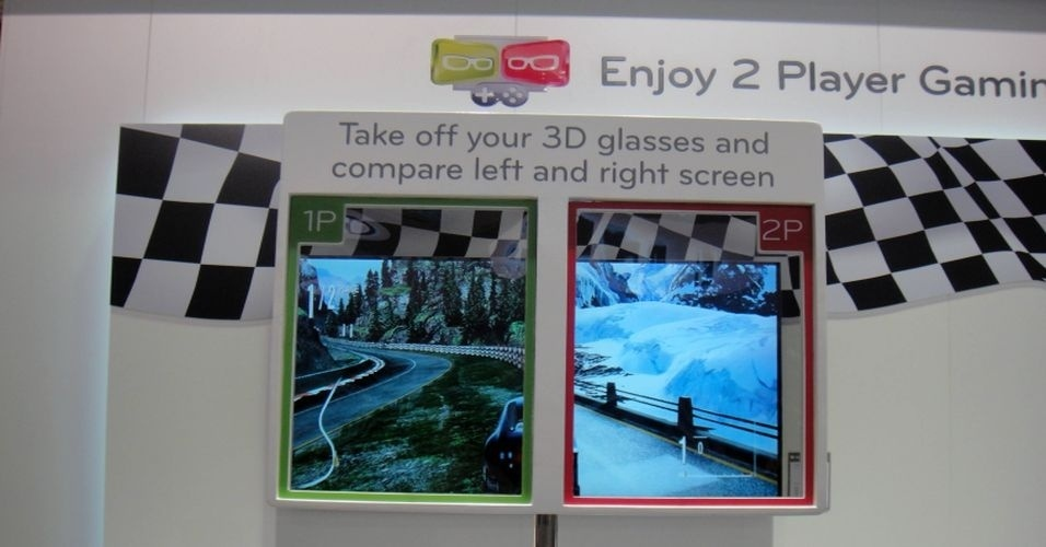 Segundo a LG, as Smart TVs têm tecnologia 3D que permite, no caso de jogos, a função multiplayer. Isso porque tanto o jogador da esquerda quanto o da direita vêem as imagens em três dimensões, mesmo não estando de frente para o centro da tela