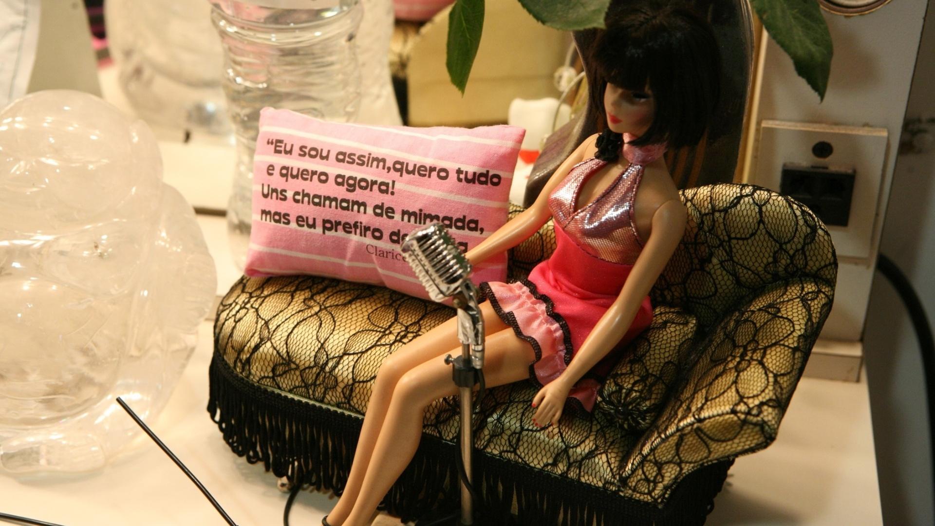 Boneca de Sally Bowles, personagem interpretada por Cláudia Raia no musical