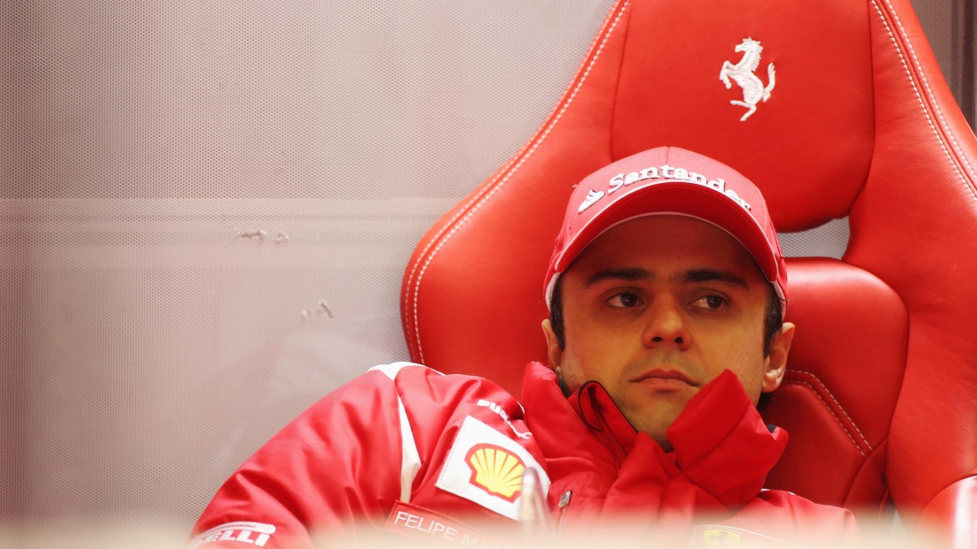 Após problema de motor, Massa fica nos boxes aguardando a chuva cessar na Bélgica