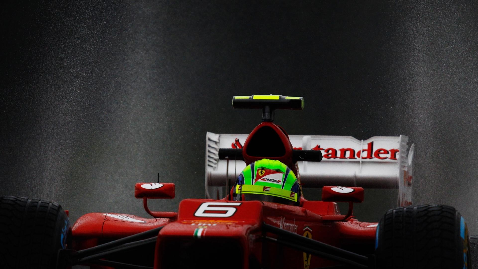 Com um novo motor, Felipe Massa voltou para a pista no segundo treino livre, dando algumas voltas na parte final da movimentação