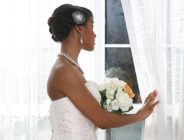 Previsão do tempo personalizada auxilia noivos em questões de última hora, como aluguel de tendas