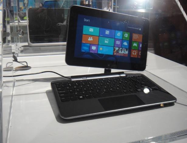 Já o Dell XPS Duo 10 pode ter a tela completamente destacada do teclado. Ela é menor, de 10 polegadas, e o conjunto tem aparência mais delicada que o Duo 12. O ?tabletbook? usa processador quadcore Snapdragon S4 e sistema Windows 8. Assim como o Duo 12, tem lançamento previsto para outubro. O preço ainda não foi revelado