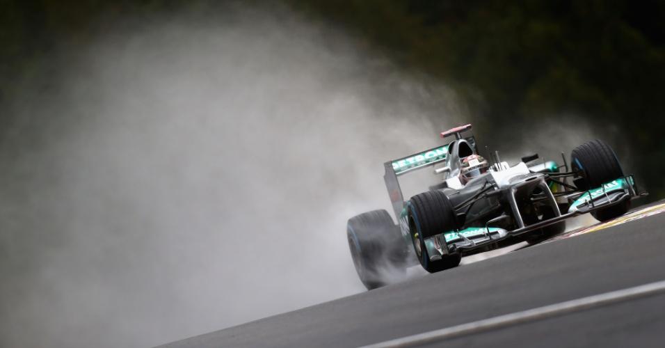 Michael Schumacher completa 300 corridas na Fórmula 1 no molhado, porém especial GP da Bélgica