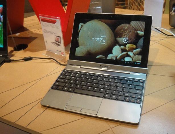 O Lenovo IdeaTab S2110A é o único da lista sem Windows 8: ele usa sistema Android 4.0 (Ice Cream Sandwich) com processador quadcore Snapdragon S4.  Ele tem tela de 10,1 polegadas que pode ser destacada do teclado com o apertar de um botão. O encaixe entre as duas peças é bem seguro; para prender a tela de volta, basta pressioná-la para baixo no encaixe