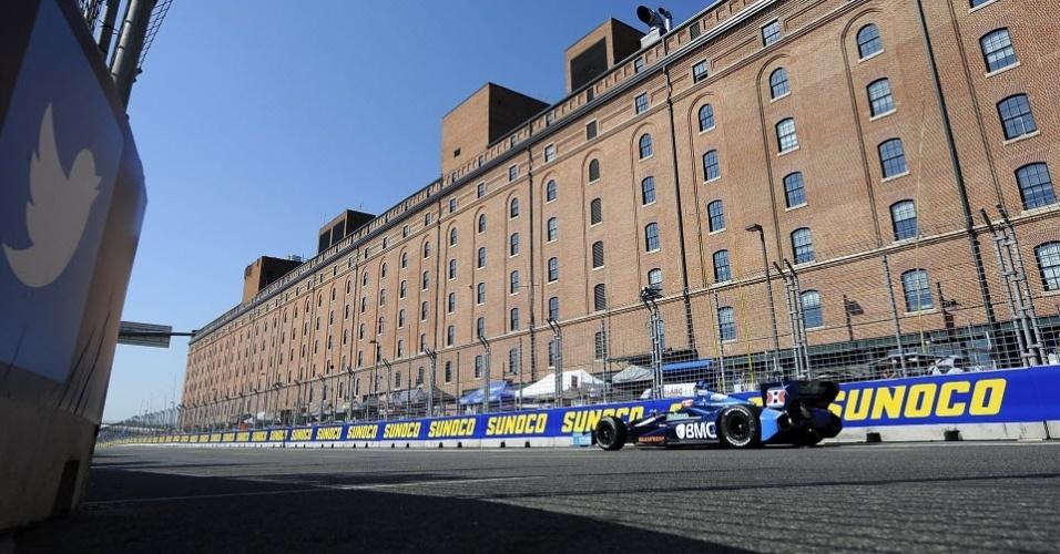 Rubens Barrichello participa de treino da Fórmula Indy em Baltimore