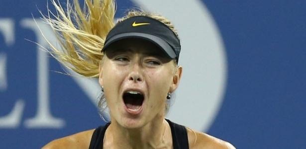 Maria Sharapova comemora vitória sobre Nadia Petrova no Aberto dos EUA. A russa se classificou às quartas de final do torneio