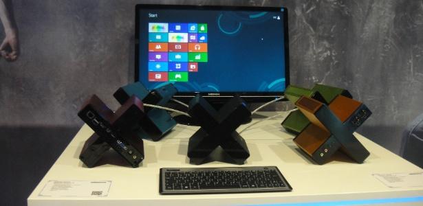 Sem mouse nem teclado, desktop em forma de ´´X´´ é vendido na Alemanha por 299 euros (cerca de R$ 764)