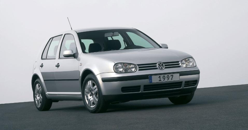 A quarta geração foi lançada no mundo em 1997, com acabamento mais refinado e mais equipamentos