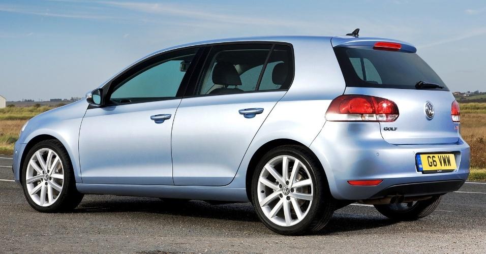 A versão GTI tem motor 2.0 turbo que rende 210 cv e leva o carro a 238 km/h de velocidade máxima