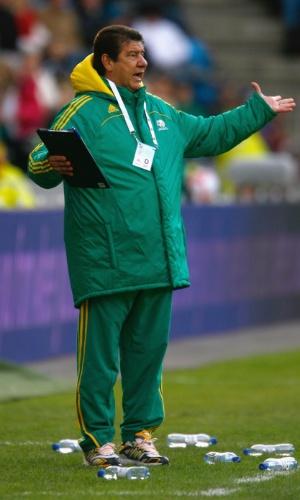 Joel Santana, como treinador da seleção da África do Sul em 2009