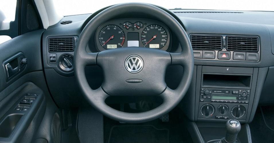 No Brasil, o Golf 4 teve motores 1.6, 2.0 e 1.8 turbo -- o mesmo do Audi A3, com quem dividiu plataforma