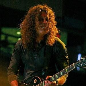 O guitarrista Mark Abrahamian morreu aos 46 anos