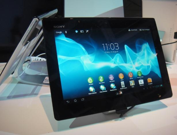 2.set.2012 -  O Xperia Sony Tablet S, além do processador quadcore, ganhou também uma versão melhor de câmera. De 5 megapixels passou a ter 8 megapixels de resolução. O aparelho continua com sistema operacional Ice Cream Sandwich (Android 4.0)