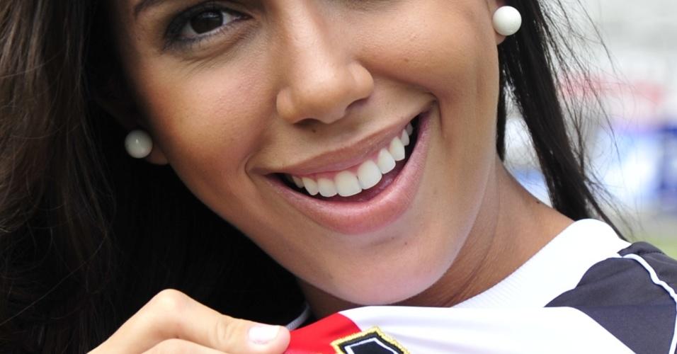 Sorriso de Samantha Diniz, do Santa Cruz