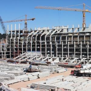 Partes envolvidas negam qualquer tipo de problema na construção da arquibancada móvel do Itaquerão