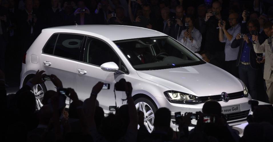 Apesar de construída sobre nova plataforma, nova geração parece mais um facelift do Golf europeu atual