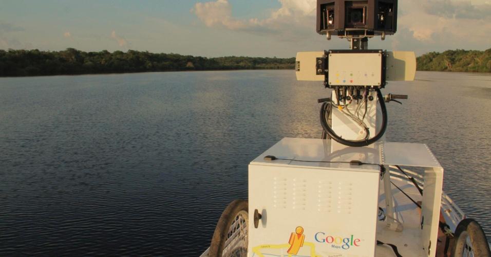 04.set.2012[foto de arquivo] - Câmera capta imagens em 360 graus do rio Negro, no Amazonas, para sistema de mapeamento do Google