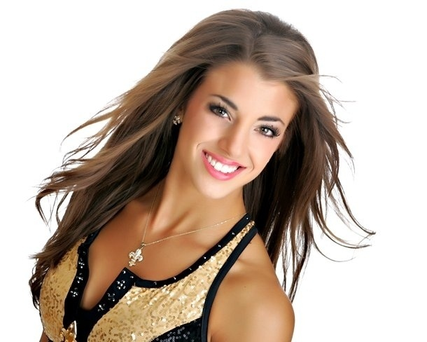 Stephanie, de 21 anos, cheerleader do New Orleans Saints