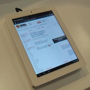 À primeira vista, bem que poderia ser um iPad. No entanto, o tablet acima é o chinês HaiPad