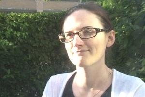 Jennie Hurst ficou cega de um olho na piscina de um hotel