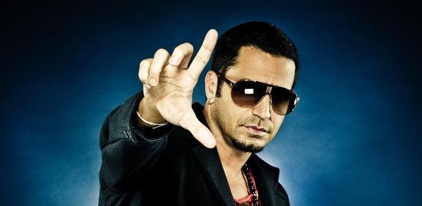 O cantor Latino em um ensaio fotográfico (6/9/12)