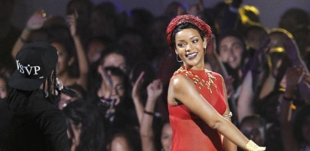 """Rihanna durante a apresentação da música """"Cockiness"""" na cerimônia do VMA 2012"""