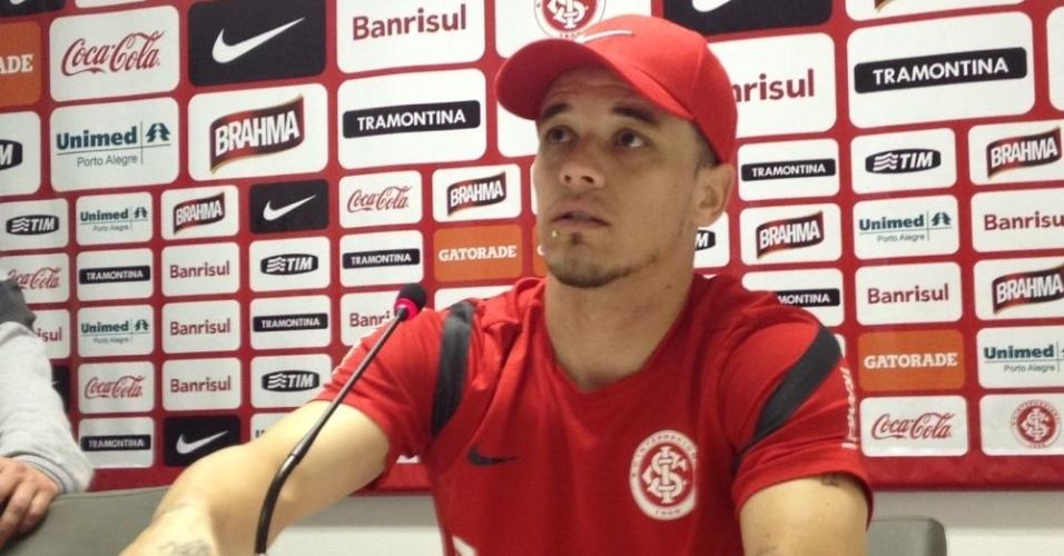 D'Alessandro dispara contra arbitragem e pede apoio da mídia para mudar o quadro (07/09/12)