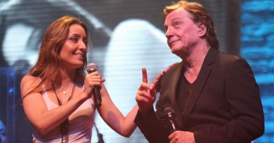 Fábio Jr. canta com a filha Tainá Galvão em seu show na I9 Music em São Gonçalo, Rio de Janeiro (6/9/12)