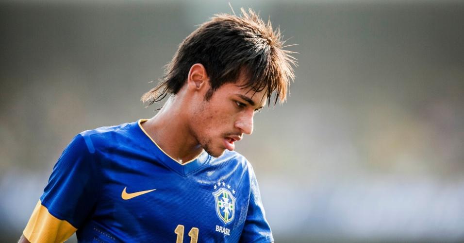 Neymar fica cabisbaixo após lance do amistoso da seleção brasileira contra a África do Sul