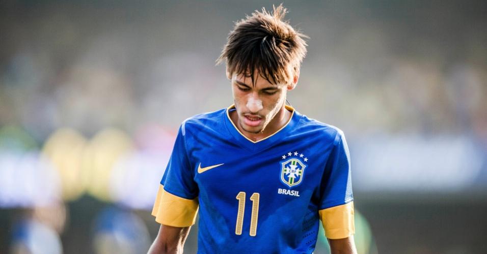Neymar lamenta lance durante amistoso da seleção brasileira contra a África do Sul