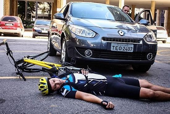 Reynaldo Gianecchini interpreta um ciclista que é atropelado no filme
