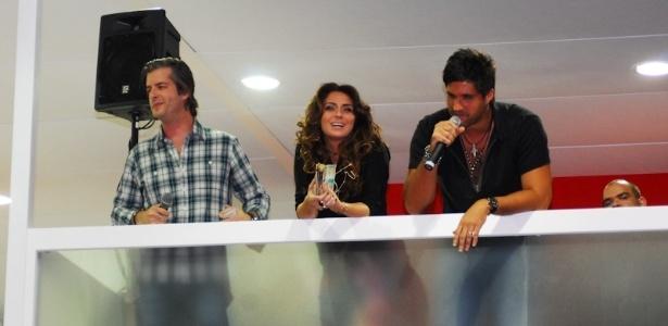 Ao lado de Giovanna Antonelli, a dupla Vitor & Léo se apresenta na Beauty Fair em São Paulo (8/9/12)