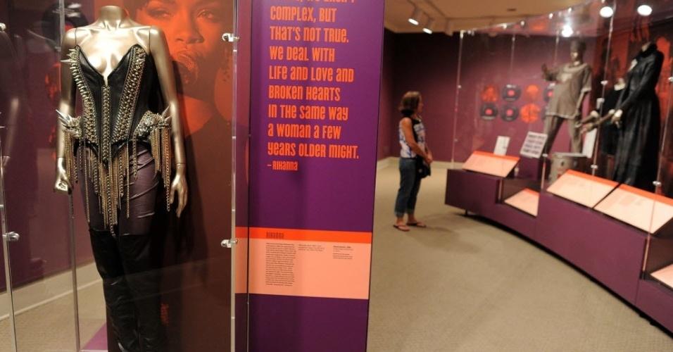 Figurino usado por Rihanna é exposto na mostra