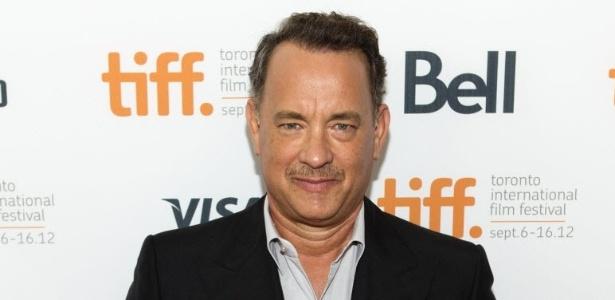 O ator Tom Hanks passa pelo tapete vermelho ao chegar para a exibição do filme