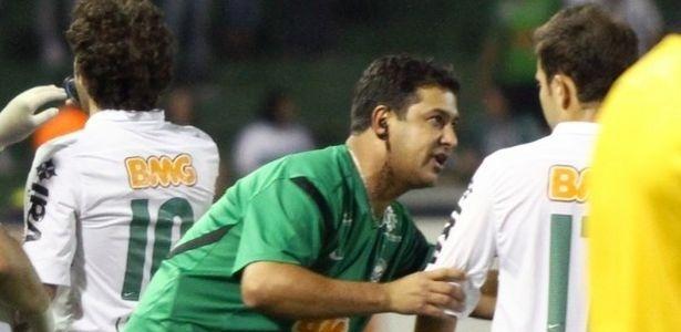 Marquinhos Santos orienta time do Coritiba em sua estreia