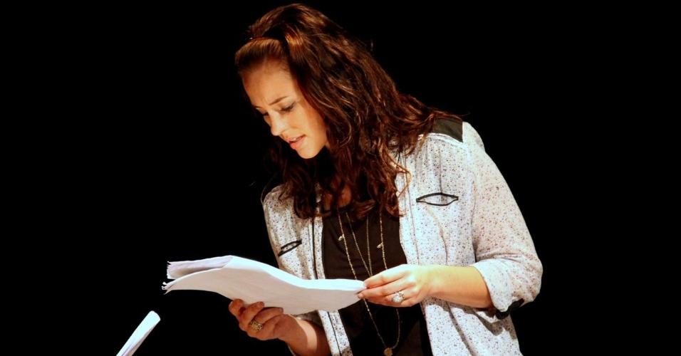 """A atriz Paola Oliveira participou nesta segunda-feira (10) da leitura dramatizada do texto """"A Serpente"""", evento que faz parte do ciclo de leituras """"As Tragédias Cariocas"""", homenagem ao centenário do escritor Nelson Rodrigues. (10/9/12)"""